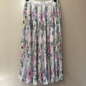 NWT H&M Pink Floral Pleated Maxi Skirt